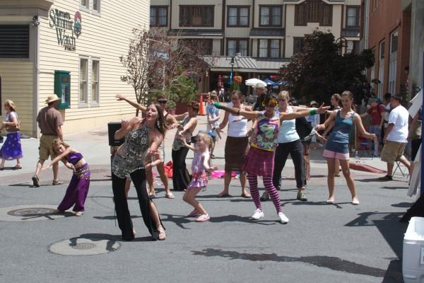 dancing-in-the-streetC54DB36C-3D76-E1CD-A284-EDDDDFA86112.jpg