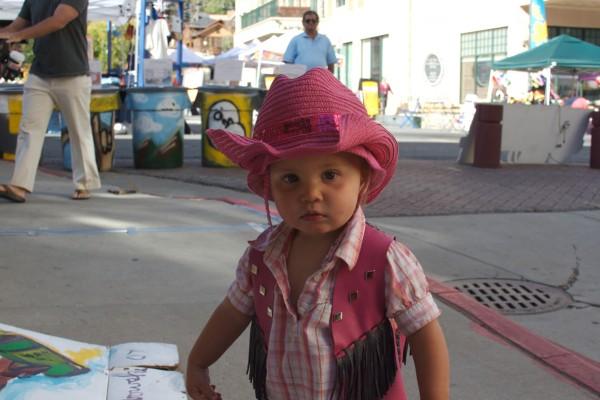 girl-at-the-market7F2FEAD6-71B6-4DD9-1BC3-1FF95E94419C.jpg