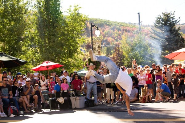 street-dancing9E6BCE38-22D6-6597-10BF-8C1D88EAA0CD.jpg